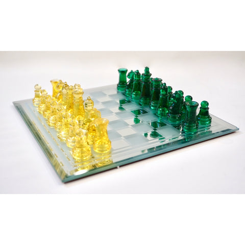 Contemporary Minimalist Green & Yellow Murano Glass Chess Set on Mirrored Board