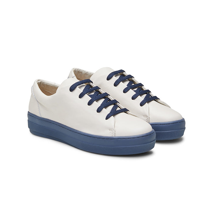 Jane leather sneaker