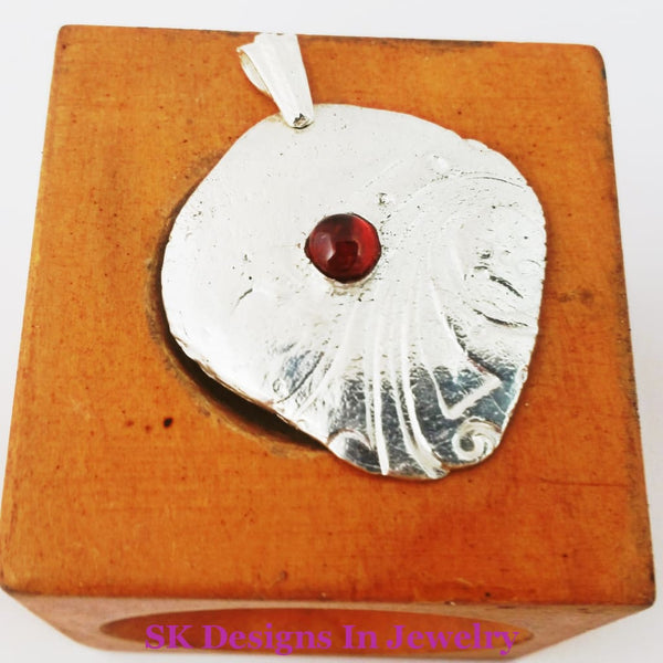 Sterling Silver And Garnet Shield Beautiful 6 Mm Natural - Mens Or Womens Pendant