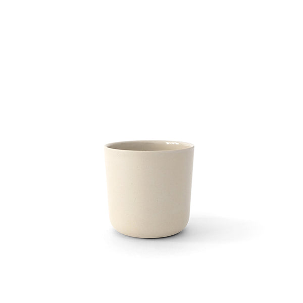 Perfect everyday small cup. This 8oz Gusto Cup from Ekobo is made from Bamboo Fiber. Casual but stylish, soft to the touch but durable, this eco friendly tumbler is a great addition to creating a beautiful setting for every table.