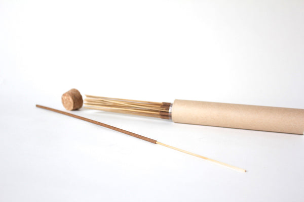 Extra long incense sticks with extra long burn-time, handmade one by one in Japan by Apotheke Fragrance