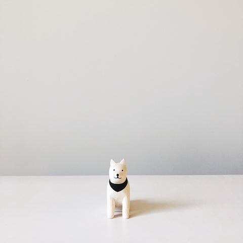 PolePole wood animals by T-Lab Japan. Simple minimalist and lightweight wood animals in black and white