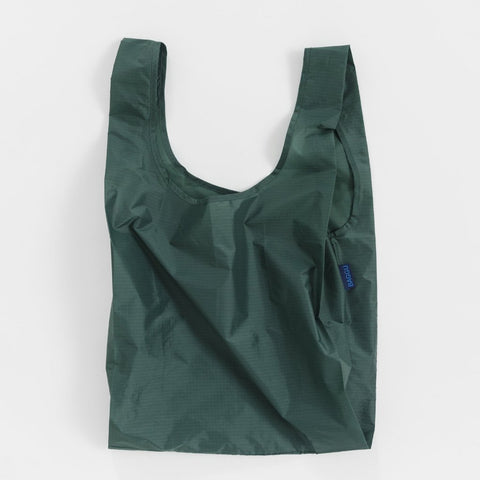 Minimalist reusable ripstop nylon bag by Baggu. Perfect for packing your day's groceries, lunch, or any everyday essentials. Dark Sage Green