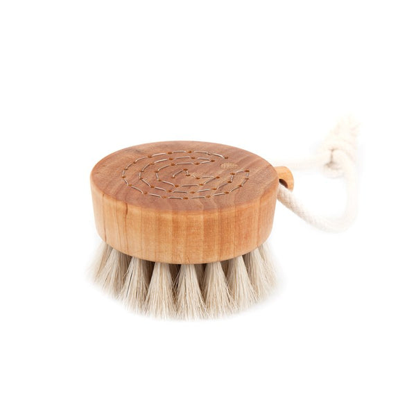Simple bath brush puck in oil treated birch wood with natural horse hair handmade in Sweden by Iris Hantverk