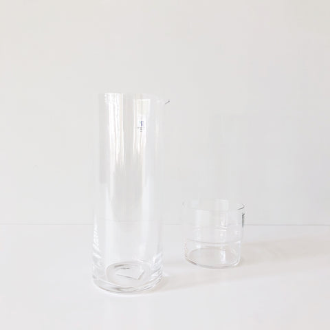 Glass Pitcher is gorgeously clean and simple. The top is crafted in the beloved Japanese space-saving style to perfectly stack your Hard Strong Stacking Glasses, increasing storage space in cabinets or on countertops.