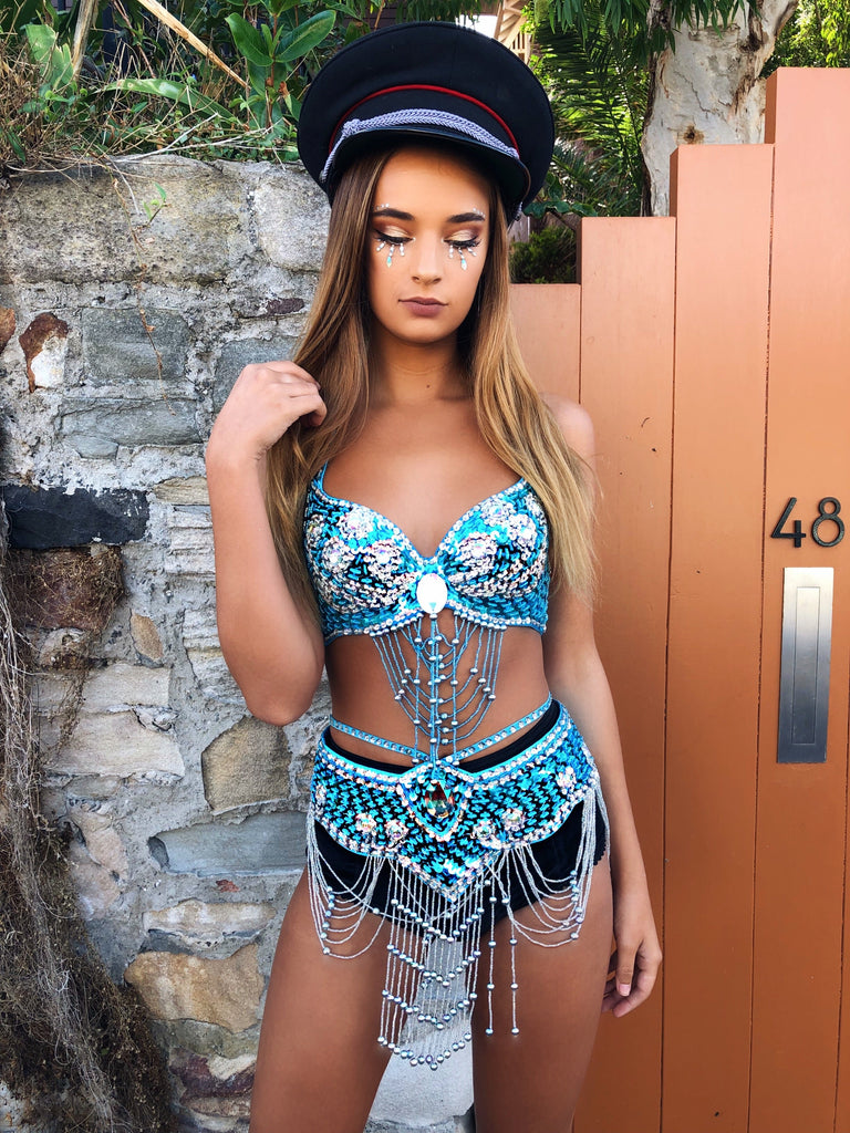 CRYSTAL BELLA SET LIGHT BLUE PRE ORDER