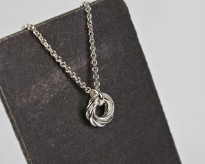 Mother's Nest of Six Chainmaille Pendant Necklace - Femailler