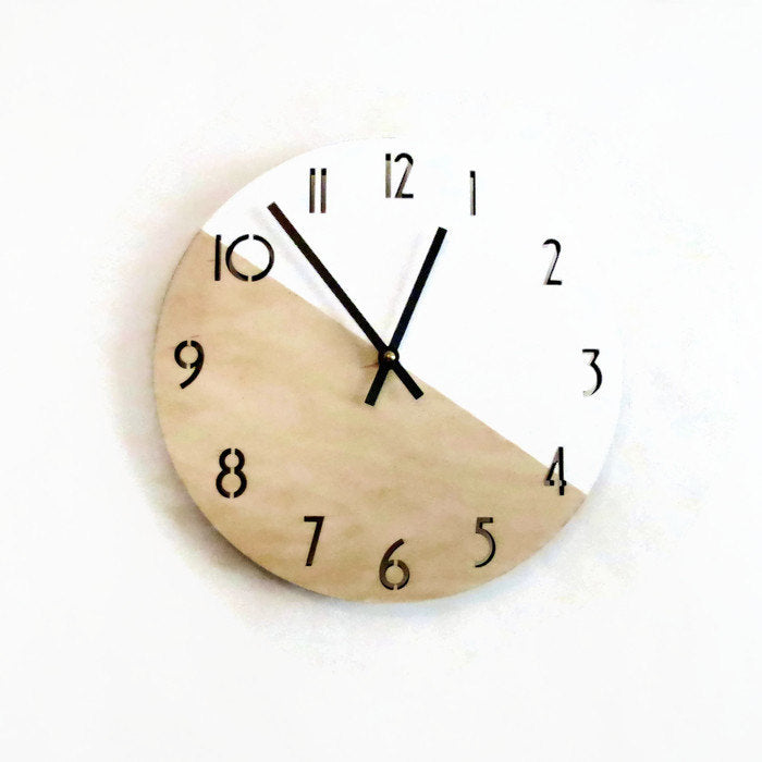 Modern Clock with Numbers