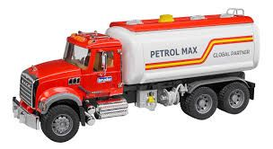 Bruder 1/16 MACK Granite Tank Truck With Water Pump