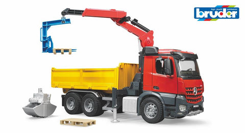 Bruder 1/16 MB Construction truck with crane, clamshell buckets, crane pallet forks and 2 pallets