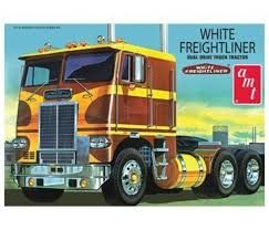 AMT 1/25 White Freightliner Truck Tractor