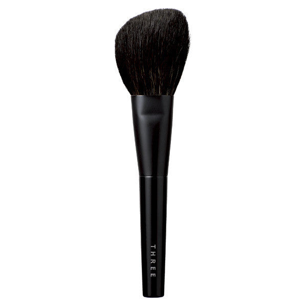 THREE Face Brush L