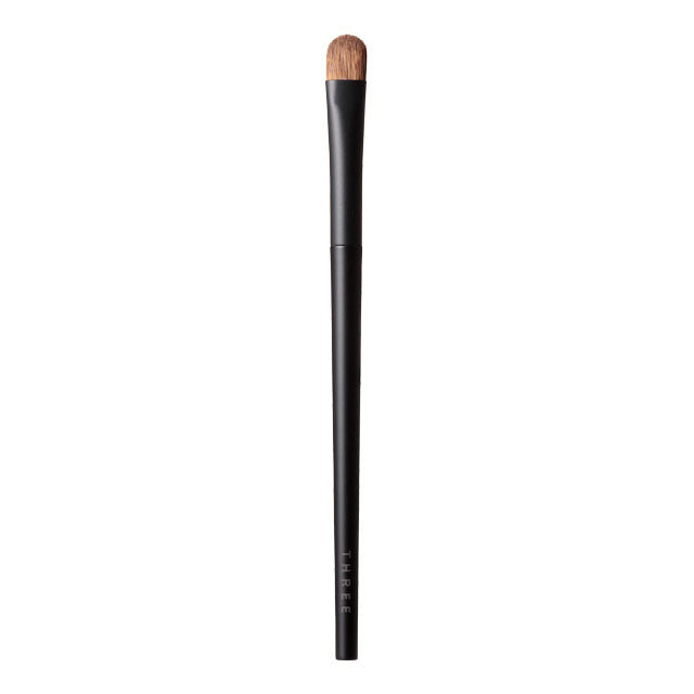 THREE Color Veil Statement Brush M