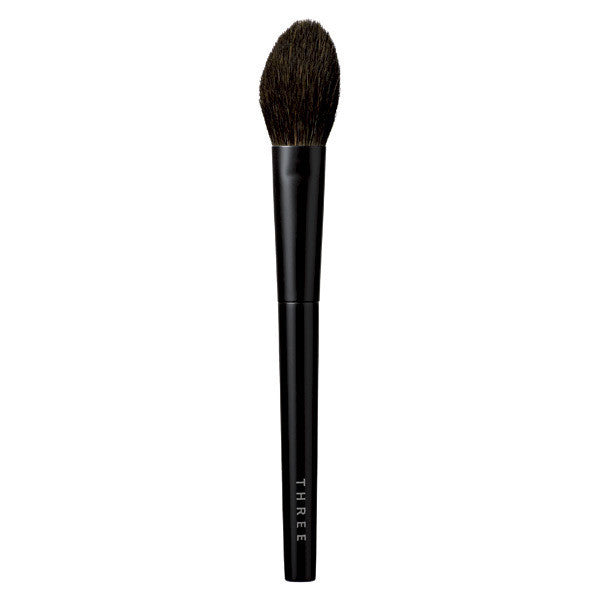 THREE Face Brush M