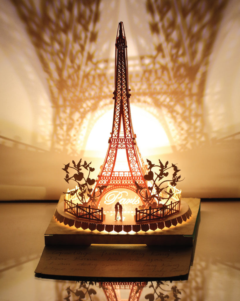 Eiffel Tower Light Model - Couple in Love Series