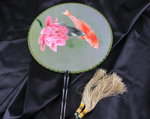 Handmade 3D Lifelike Fishes Flower Embroidery Stitchwork Chinese Decorative Silk Hand Fan Gifts