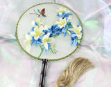 3D Lifelike White Flower Plants Embroidery Stitchwork Chinese Decorative Silk Hand Fan Gifts Collectible Handiwork Art