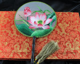 Handmade 3D Lifelike Gorgeous Blooming Lotus Flower Leaves Plants Embroidery Stitchwork Irregular Chinese Decorative Silk Hand Fan Gifts Collectible