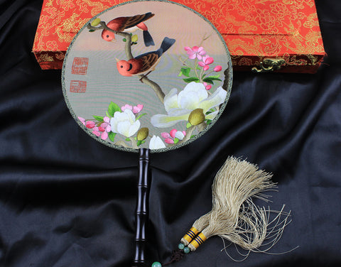 Handmade 3D Lifelike Love Birds In the Branch of The Tree Flower Embroidery Stitchwork Irregular Chinese Decorative Silk Hand Fan Gifts Collectible