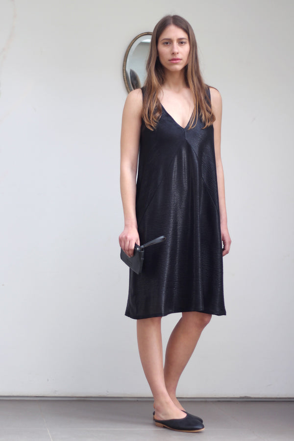 Diagonal camisole dress in black
