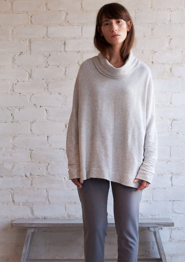 Oversize french terry turtleneck in light grey