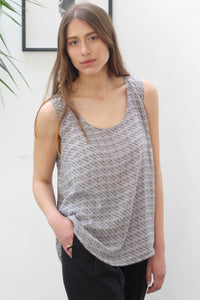 Printed sleeveless shirt