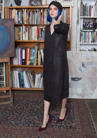 Front pleat midi dress in black