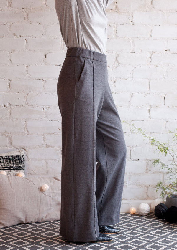 Wide french terry pants in grey