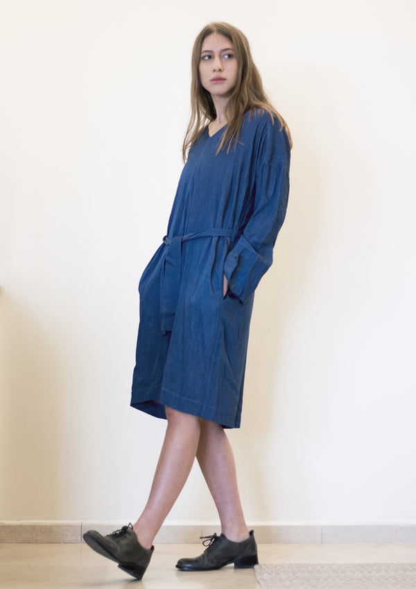 Loose V-neck dress in denim blue