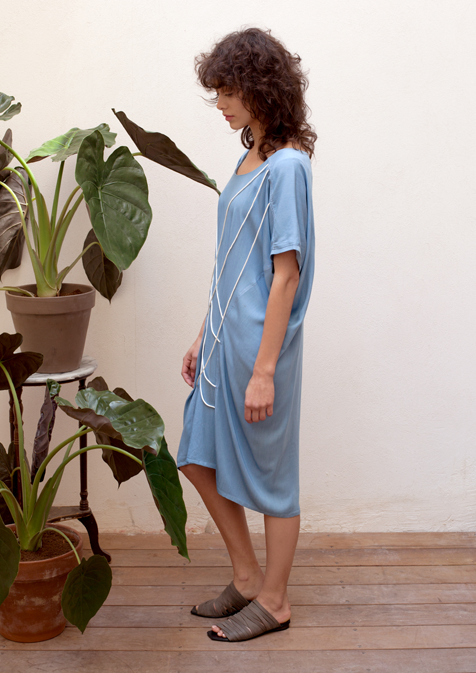 Oversized string-detail dress in light blue