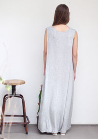 Maxi shoulder pleat dress in grey rib