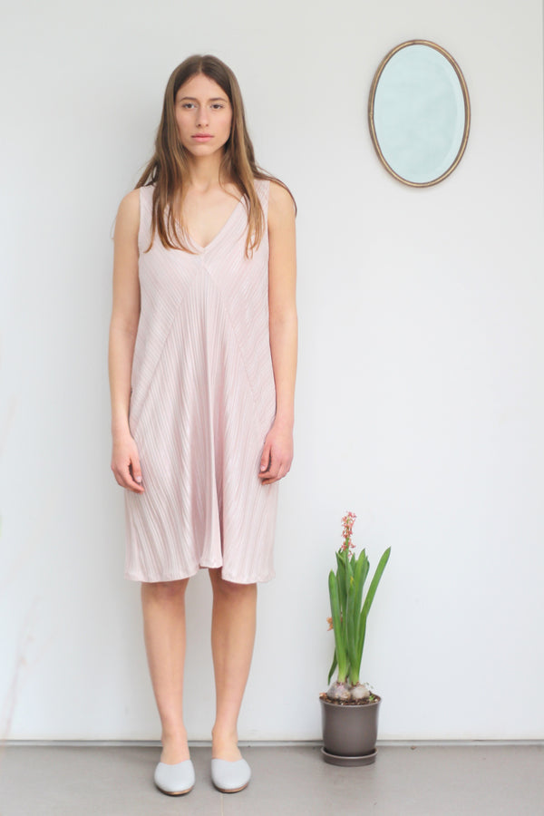 Diagonal camisole dress in light pink