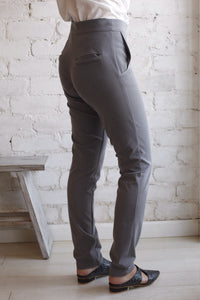 Snap button pants in grey