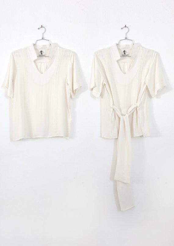 Short sleeve V-neck shirt in cream
