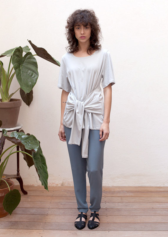 Knot front T-shirt in grey