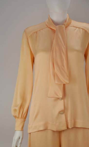1970s Bill Tice Peach Ensemble