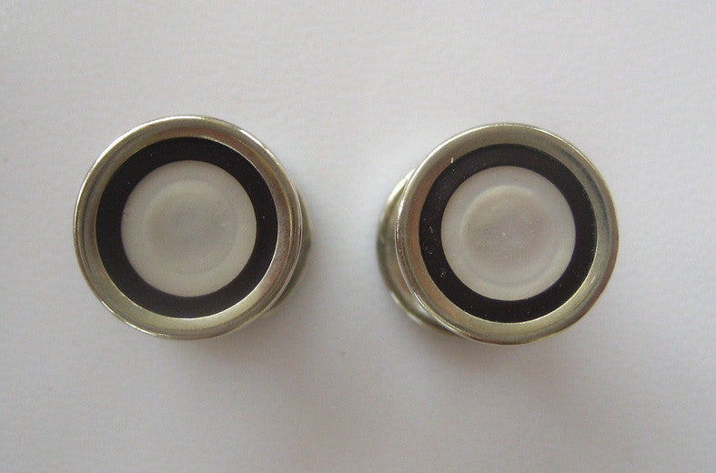 Baer & Wilde Silvertone Kum-A-Part Mother-of-Pearl and Black Enamel Snap Cuff Links