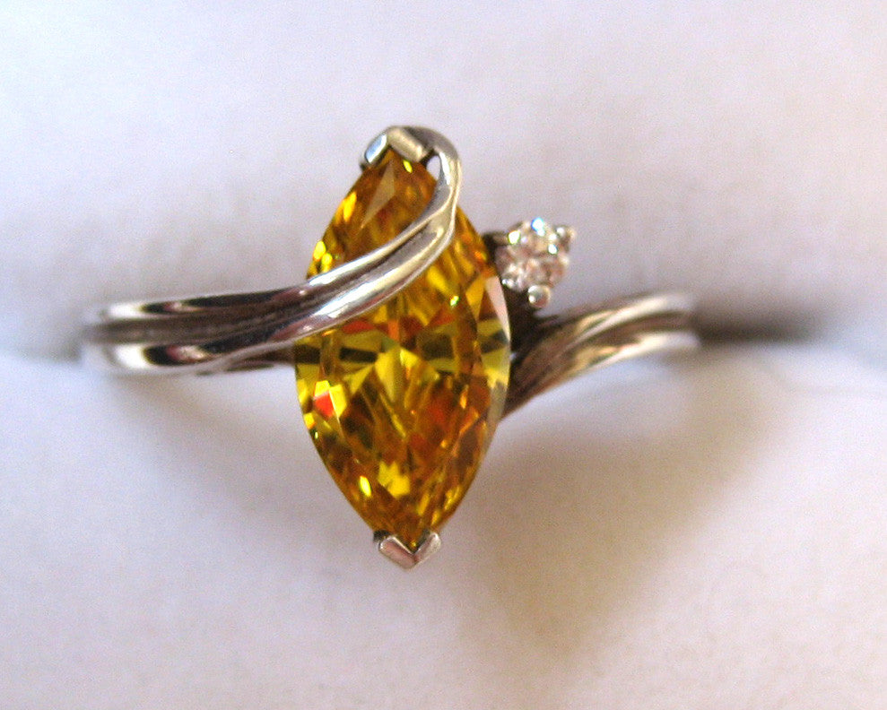 Sterling Silver Yellow and Clear Glass Stone Ring