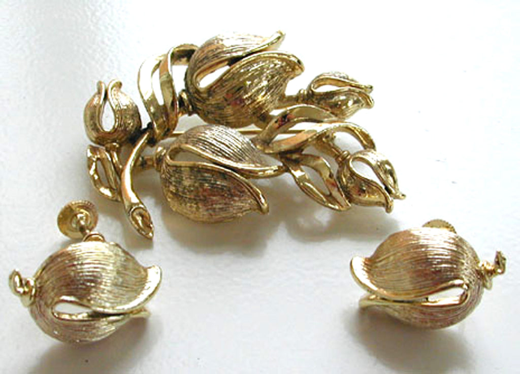 Lisner Goldtone Tulip Demi-Parure:Brooch/Pin and Earrings