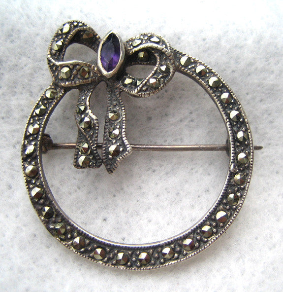 Sterling Silver Marcasite Wreath and Bow Brooch/Pin