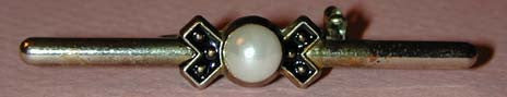 Unsigned Faux Pearl and Enamel Bar Brooch/Pin