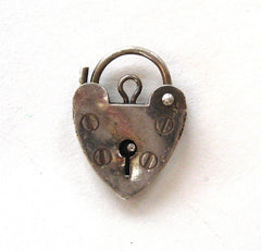 Circa 1977 Sterling Silver London-made Heart Lock Charm//Clasp
