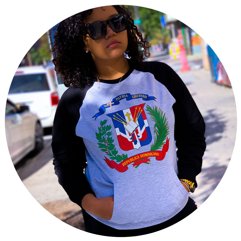 Escudo Two-Tone Crewneck