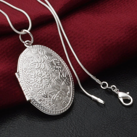 Vintage Photo Locket Pendant Necklace Sliver Plated Jewelry