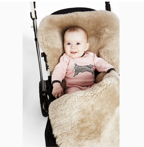 Snuggle Pod Sheepskin Footmuff in Latte
