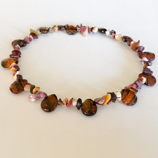 Beaded Memory Wire Choker/Short Necklace - Shining Bee