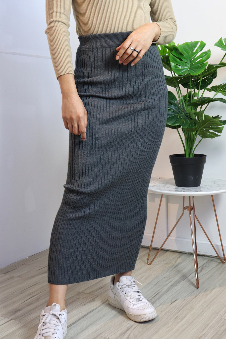 Basic Pencil Skirt (Back Order, Arrive end of January)
