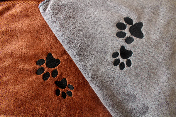 Premium Microfibre Pet Dog Towels - Pack of 2-100x70cm - 400GSM : Super Absorbent - Quick Drying - Extra Soft