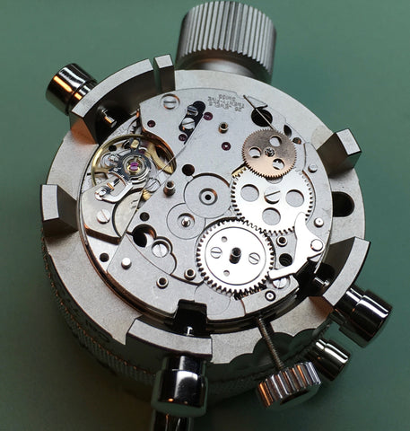 Servicing a Valjoux 7750 - Horia movement holder