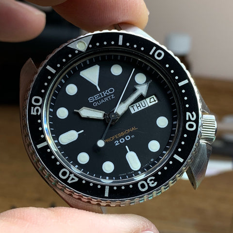 Servicing a vintage Seiko 7548-7010 quartz divers watch